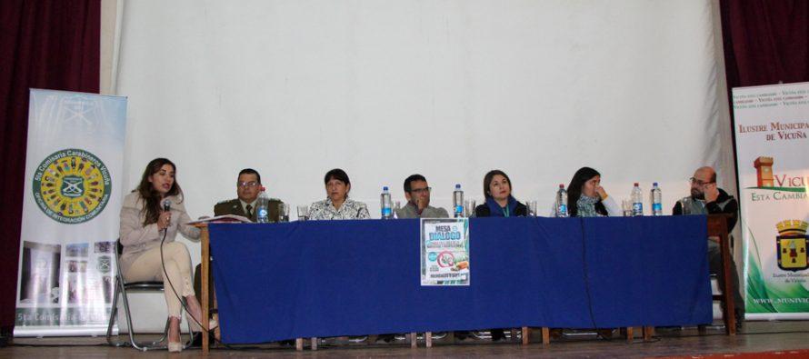 Autoridades, policías y estudiantes de Vicuña y Paihuano dialogan sobre la marihuana y sus usos