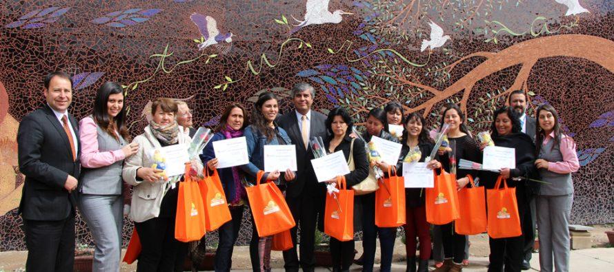 Mujeres de Vicuña son capacitadas en educación financiera por Banco Estado