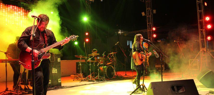Javiera y Los Imposibles abrió el primer día de show de la Pampilla de San Isidro