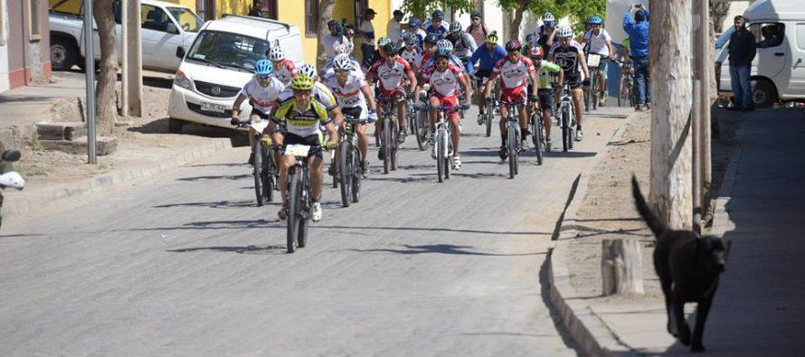 Más de cien ciclistas participaron en carrera de Mountain Bike en Algarrobito