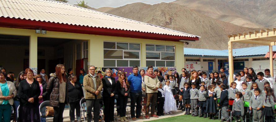 Con coronación de la reina y acto oficial la escuela Cielo Claro de Paihuano finaliza su aniversario 73