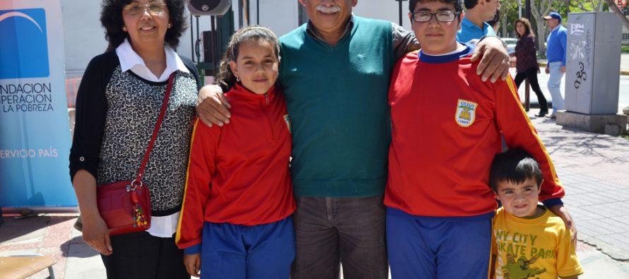 Estudiantes de Lambert dan testimonio medioambientalista en Feria  Servicio País