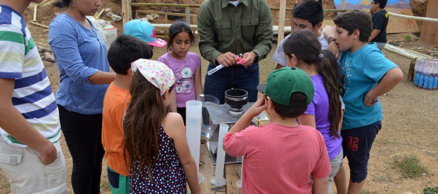 Academia del agua, proyecto British Council: Niños de Pisco Elqui aprenden sobre propiedades del vital elemento