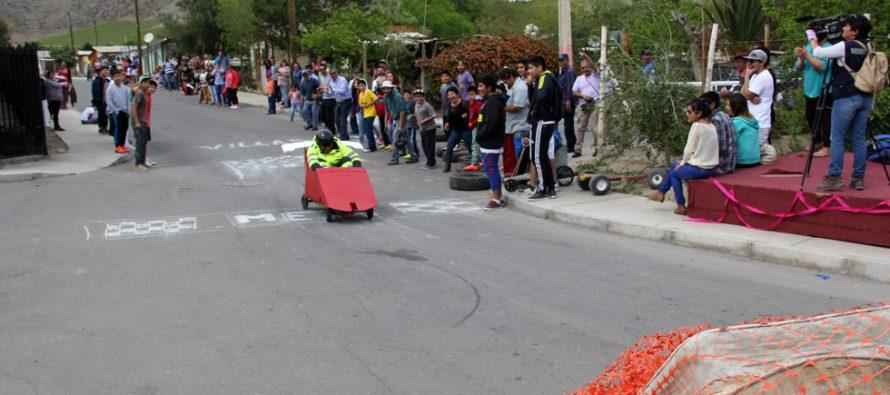 Villaseca cierra actividades de aniversario con carrera de autos locos por calles del pueblo