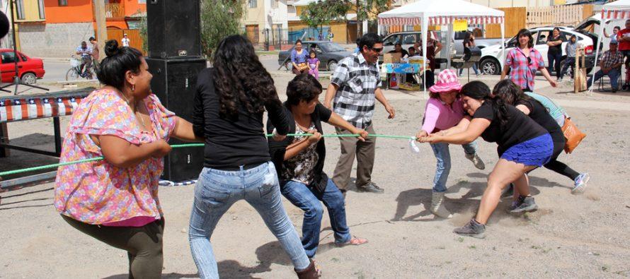 Vecinos de población Aguas de Elqui realizan actividades para recuperar los espacios públicos