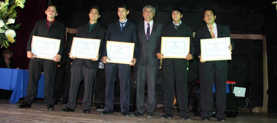 Destacan porcentaje de titulados en el liceo Carlos Roberto Mondaca Cortés de Vicuña
