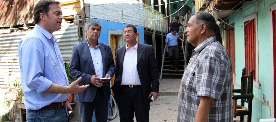 Analizan en terreno situación de casas afectadas en la comuna de Vicuña