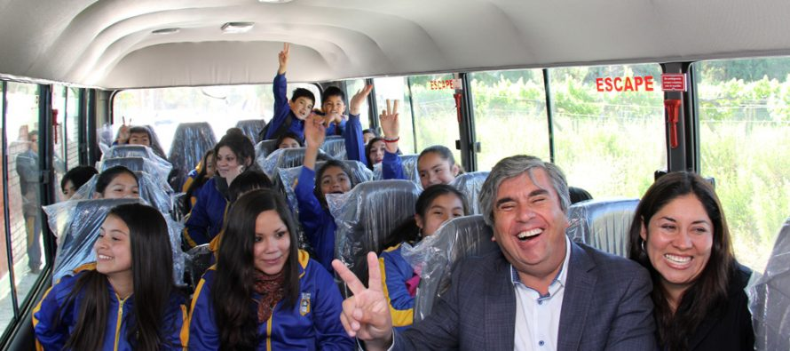 Departamento de Educación invierte en renovación de buses para estudiantes