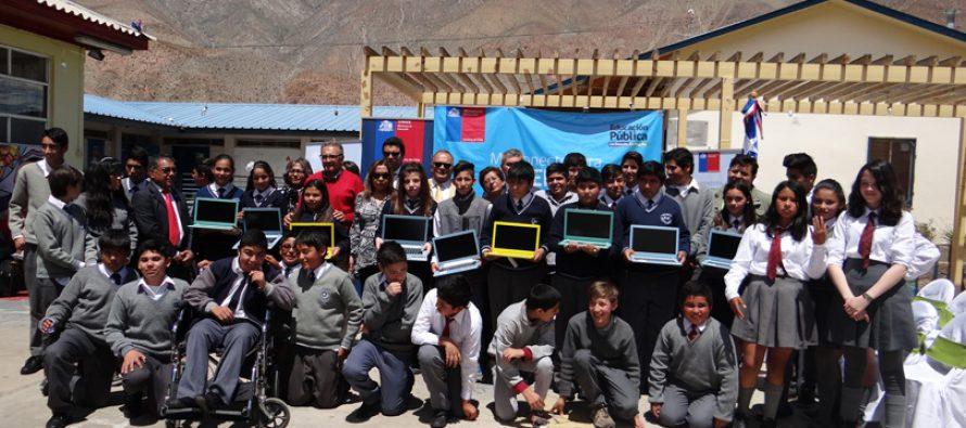 En Paihuano finalizó entrega de computadores e internet para estudiantes de 7° básico básico