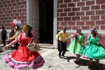 En Montegrande grupos folclóricos norteños  ofrecieron homenaje a Gabriela Mistral