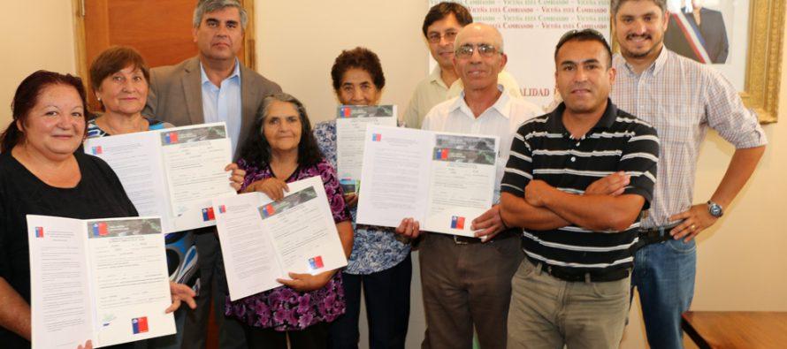 7 familias de pequeños agricultores de Vicuña fueron beneficiados con fondos de la CNR
