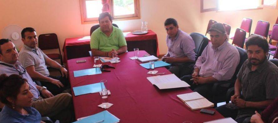 Autoridades de Paihuano se reúnen   Con empresarios del mundo agrícola