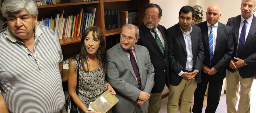 Consejeros entregan libros de autores regionales para la biblioteca de la provincia de San Juan
