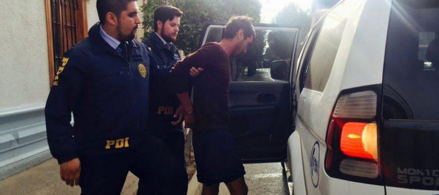 PDI detiene a sujeto  por sustraer  herramientas  desde  plaza de Vicuña