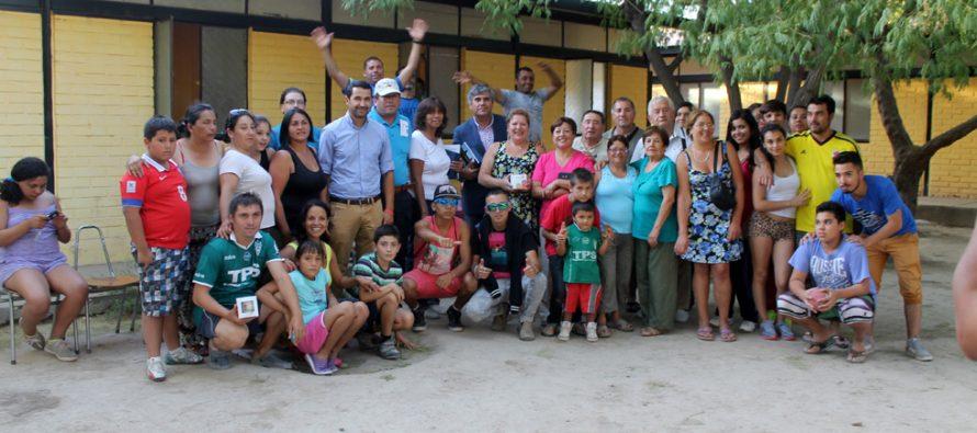 Familias de Valparaíso disfrutaron de Vicuña con apoyo de agrupación folclórica y el municipio