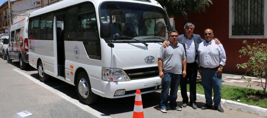 Un nuevo bus para el transporte escolar se suma a la adquisición de vehículos municipales