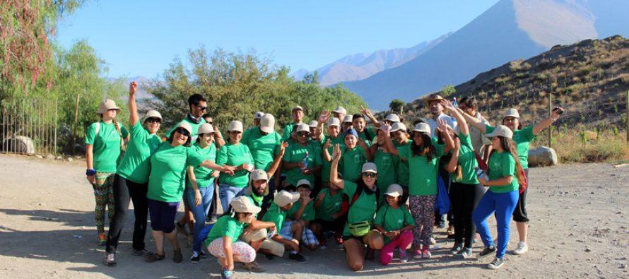 Niños de Rivadavia realizan jornada de trekking al cerro Peralillo junto al IND