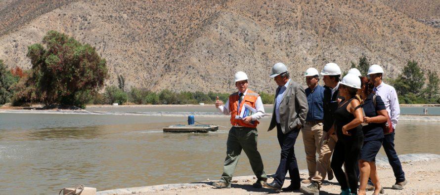 Autoridades de Vicuña conocen funcionamiento de planta de tratamiento de Aguas del Valle