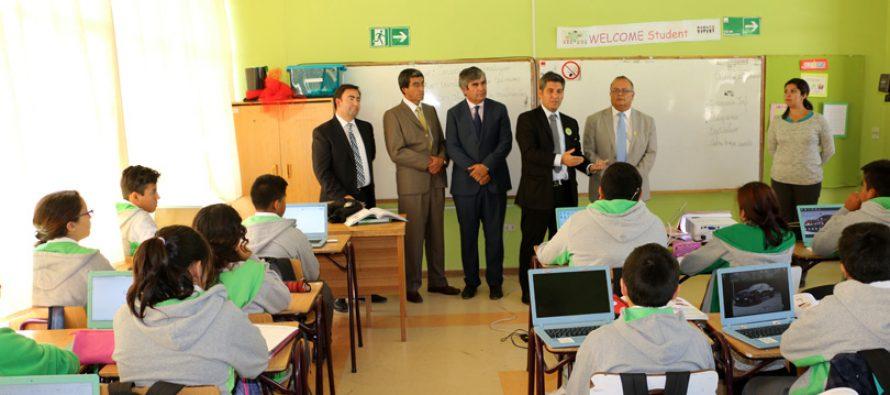 Destacan logros en educación de Vicuña a través de gestión administrativa municipal