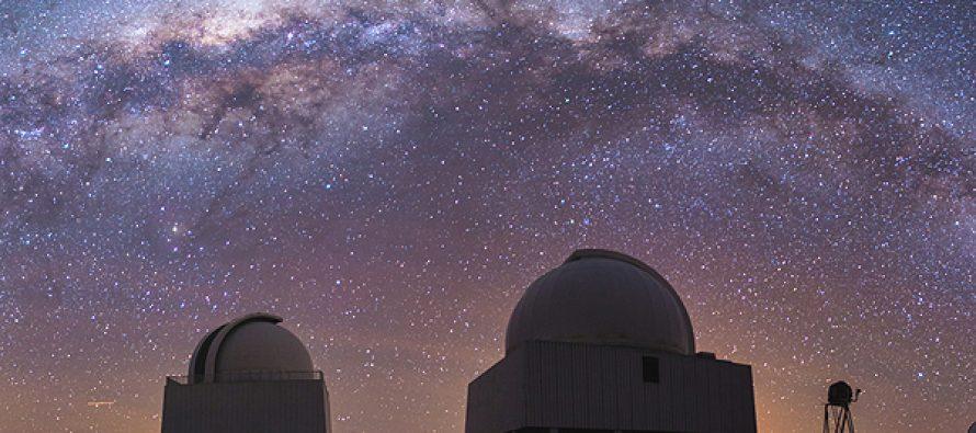 Buscar crear acuerdo para difundir educación en astronomía dentro de la región