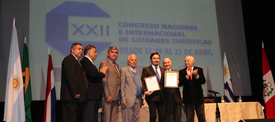 Destacan a Vicuña en Congreso Internacional de Turismo realizado en Linares