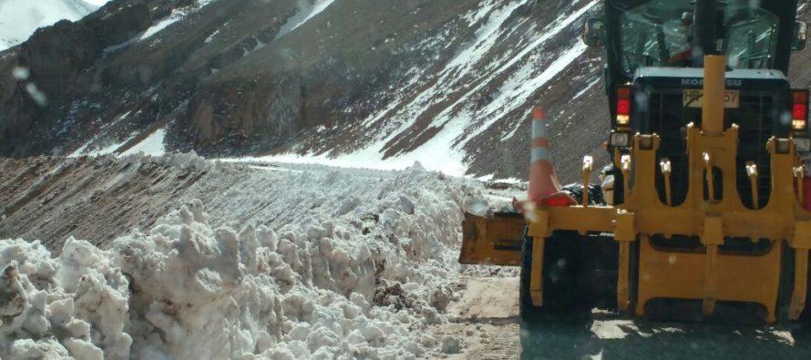 Este miércoles se reabrió el Paso Agua Negra pero derrumbes en Argentina obligaron al cierre
