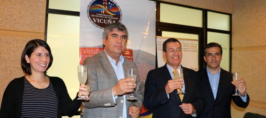 Firman primer decreto municipal que instaura la conmemoración del Día del Pisco en Vicuña