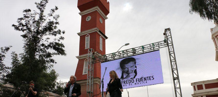 José Alfredo Fuentes deleitó a las mujeres en la celebración del Día de la Madre en Vicuña