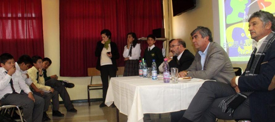 Docentes organizan diálogo ciudadano con los estudiantes de la escuela Lucila Godoy Alcayaga