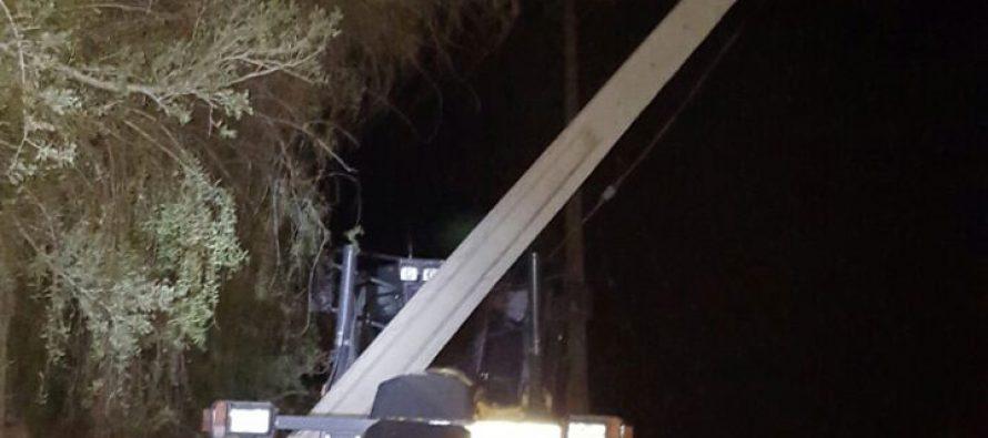 Retroexcavadora de la municipalidad protagoniza accidente en Horcón