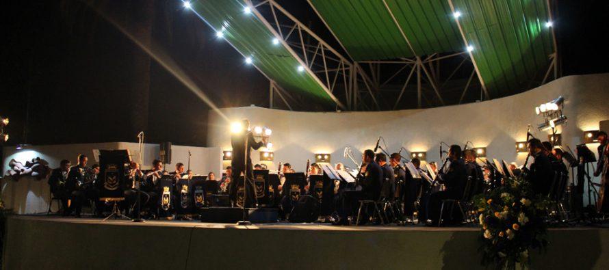 Banda Sinfónica de la Fuerza Aérea inaugura musicalmente el escenario de la plaza de Vicuña