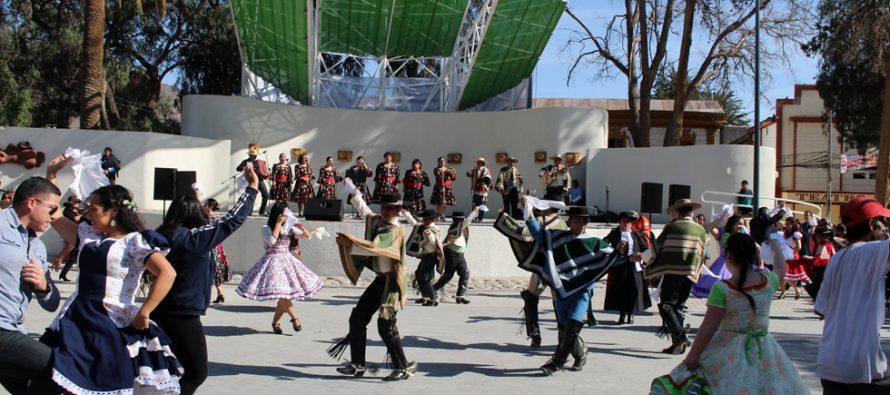 Con cueca masiva celebran los 29 años de la agrupación folclórica Alamiro Alcayaga