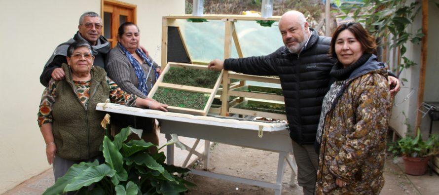 Emprendedoras de Las Rojas crean secadores solares gracias al CORE