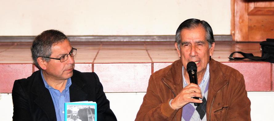 """Escritor vicuñense presentó su libro """"Jesús y el Cristo de Elqui""""  en Montegrande"""