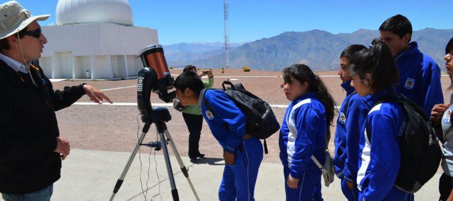 Invitan a escolares a participar en concurso que concientice sobre contaminación lumínica