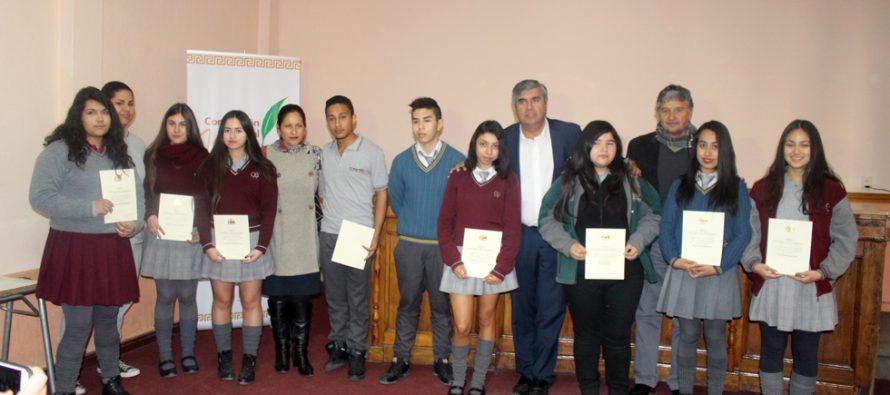 Con gran emoción estudiantes vicuñenses recibieron la beca Presidenta de La República