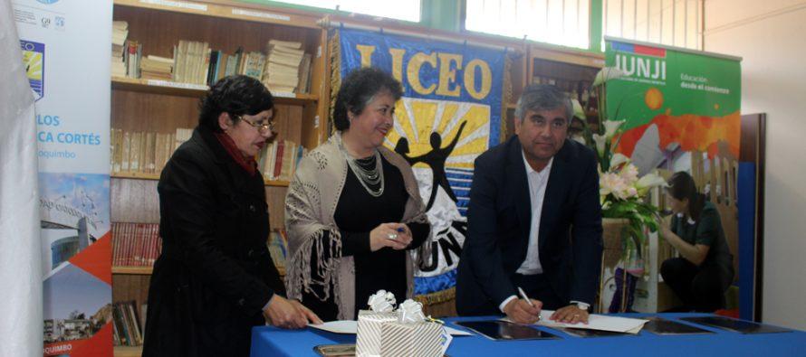 Estudiantes del liceo Carlos Mondaca podrán realizar sus prácticas en establecimientos JUNJI