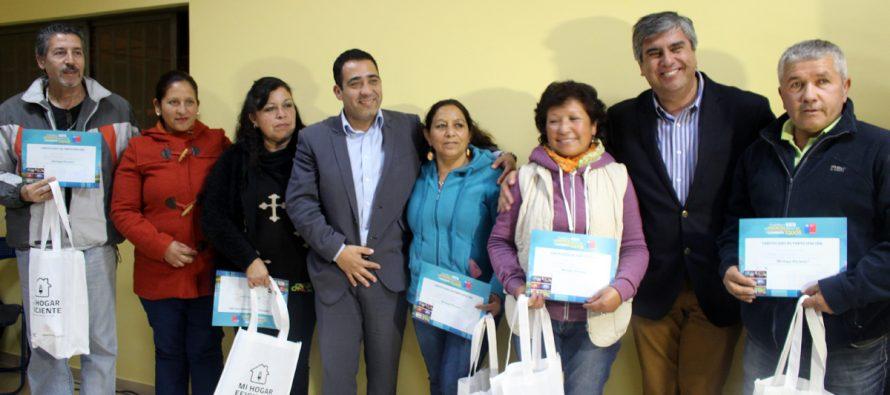 Vecinos de Talcuna se capacitan en eficiencia energética