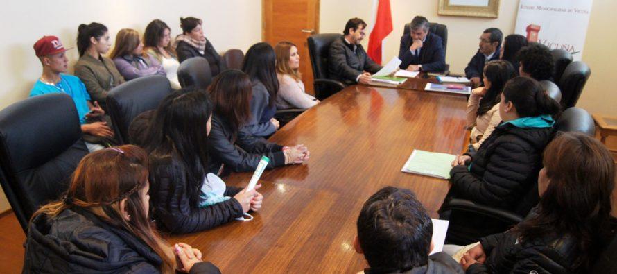 Vecinos resuelven  inquietudes respecto a regularización de  terreno en Rivadavia