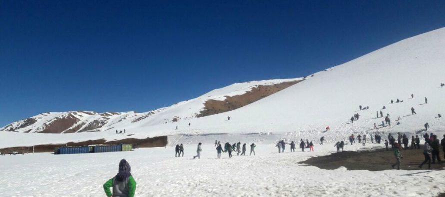 Carabineros llevó a la nieve a  más de 100 estudiantes de Vicuña y Paihuano