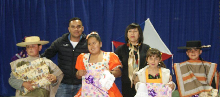 Con muestra interna de cueca la escuela de Pisco Elqui inicia celebración de aniversario