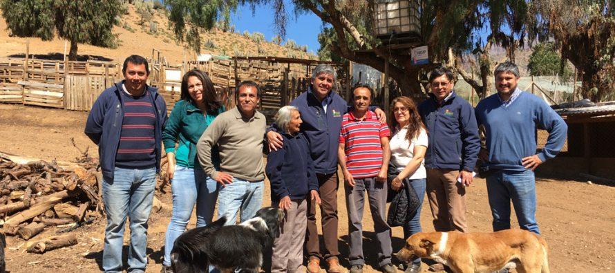 Destacan la labor de crianceros y pequeños agricultores atendidos por el municipio de Vicuña