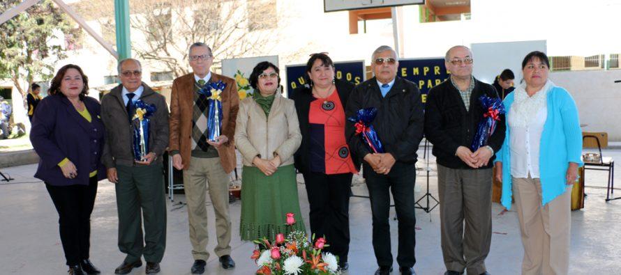Destacan los 31 años a cargo del Liceo de Vicuña del director Luís Núñez al momento de su retiro