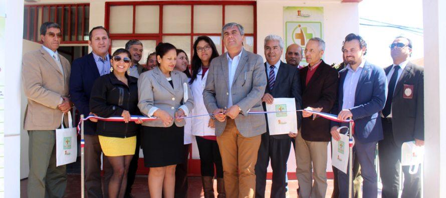 """Ante la alegría de los vecinos inauguran Farmacia Municipal """"Pedro Contreras Arancibia"""" de Vicuña"""