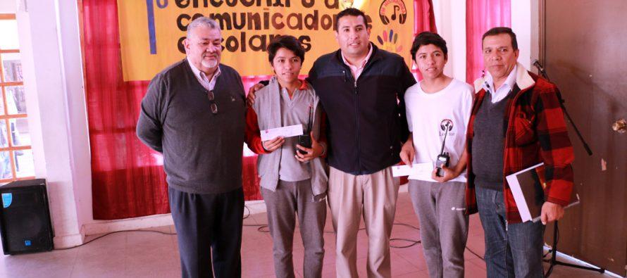 Liceo Mistraliano tiene a los primeros estudiantes radioaficionados certificados de la región