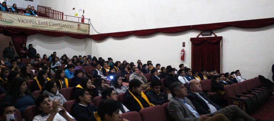 Universidad Nacional de San Juan presenta  oferta educativa a los estudiantes de Vicuña