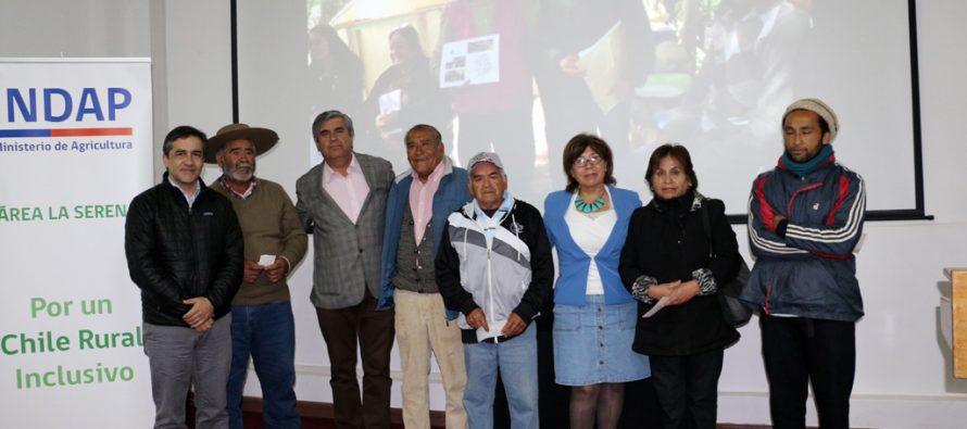 INDAP entrega recursos  a  familias de agricultores de la comuna de Vicuña