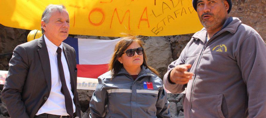 Autoridades del Trabajo constatan en terreno situación de mineros en huelga de hambre