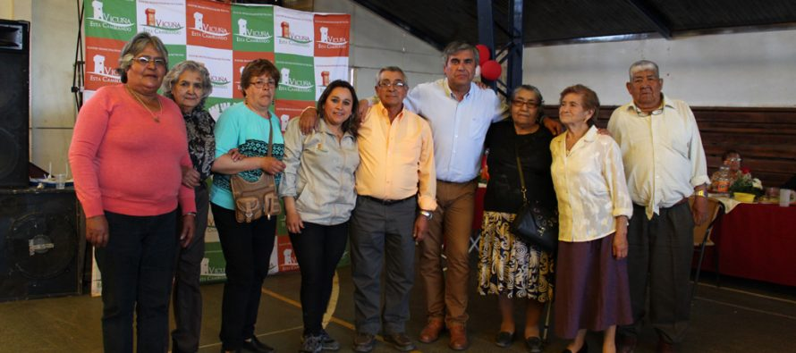 """Adultos mayores de la comuna de Vicuña celebraron """"Pasando Agosto"""" con mucho baile"""