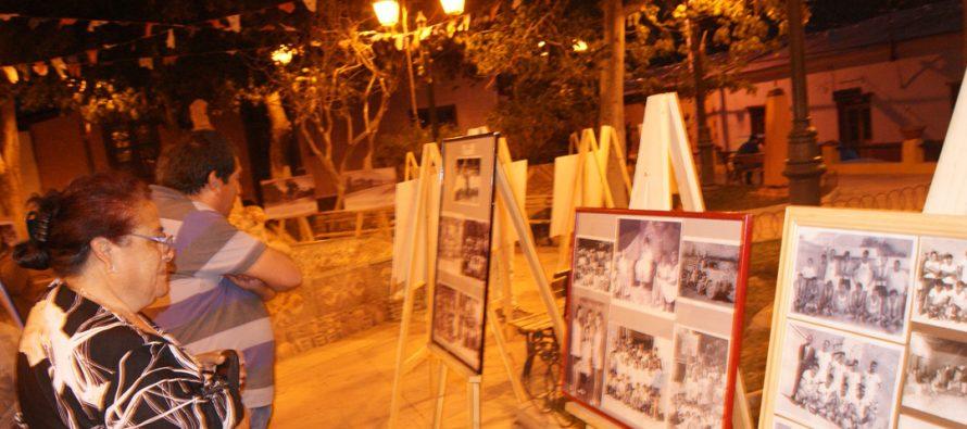 Exposición de fotografías antiguas se exhibió en plaza de Paihuano